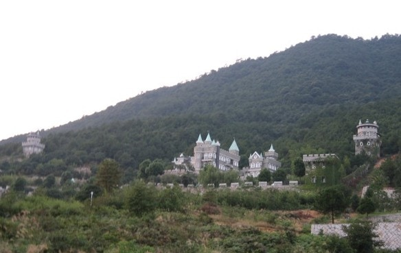 Even China has castles