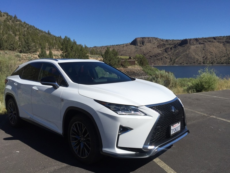 Lexus RX350 at Prineville Reservoir