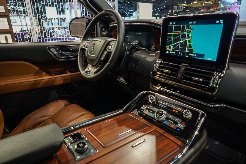 Auto Shows-Lincoln Navigator interior