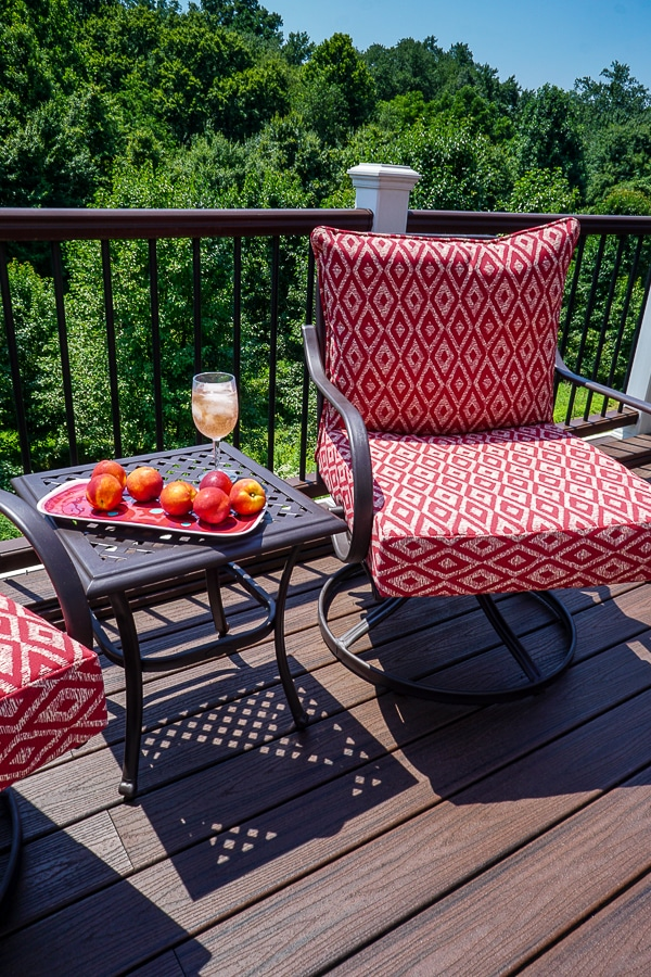 Finished patio furniture makeover
