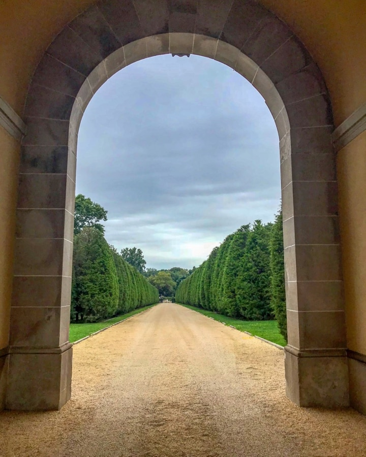 The driveway to Oheka Castle