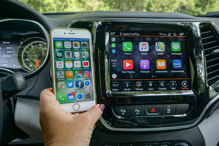 Jeep Cherokee Apple CarPlay