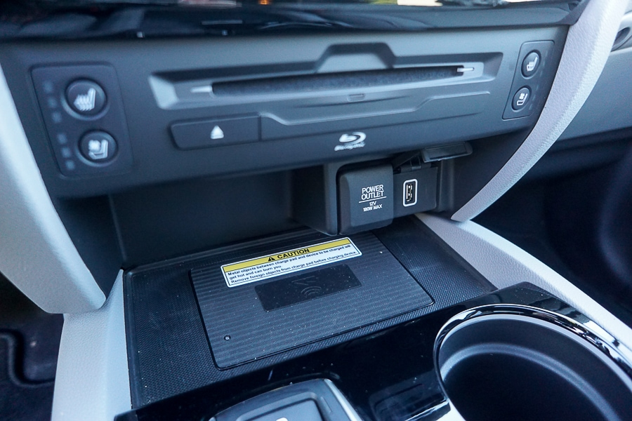 Qi charger in the Honda Pilot
