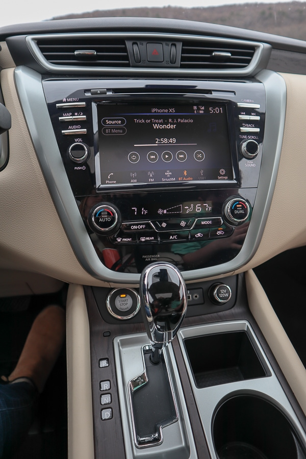 "Nissan Murano 8"" Color Display with Multi-Touch Control"