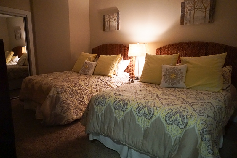 Double bed room for adults