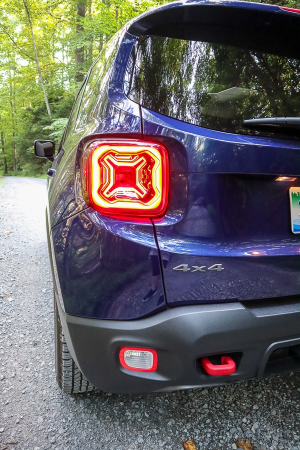 Jeep Renegade Trailhawk taillights