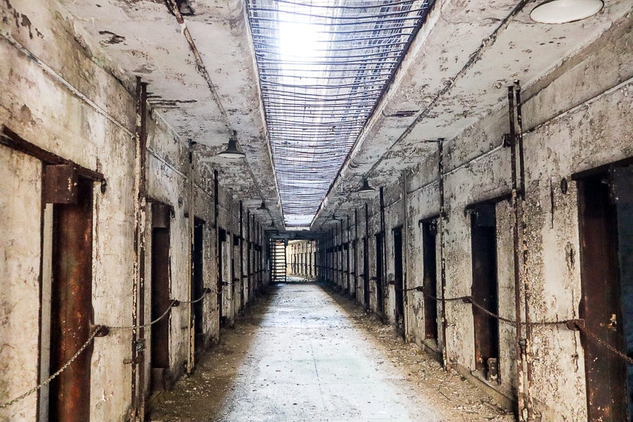 A decaying cell block