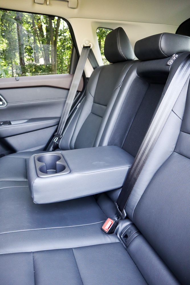 Nissan Rogue back seat with console
